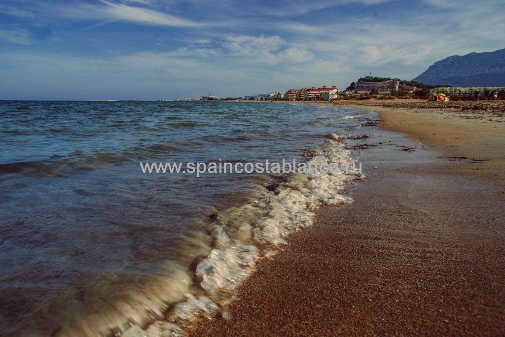 Пляж Лас Маринас в Дении, Испания
