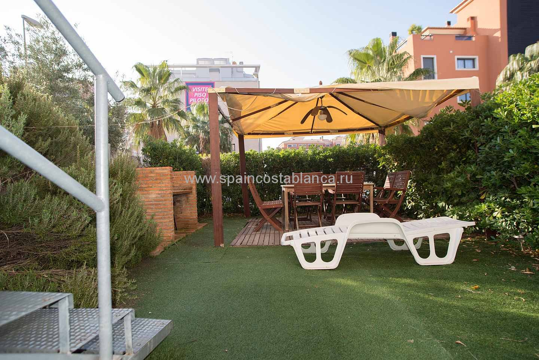 Сад апартаментов Элеганс в дении, Испания