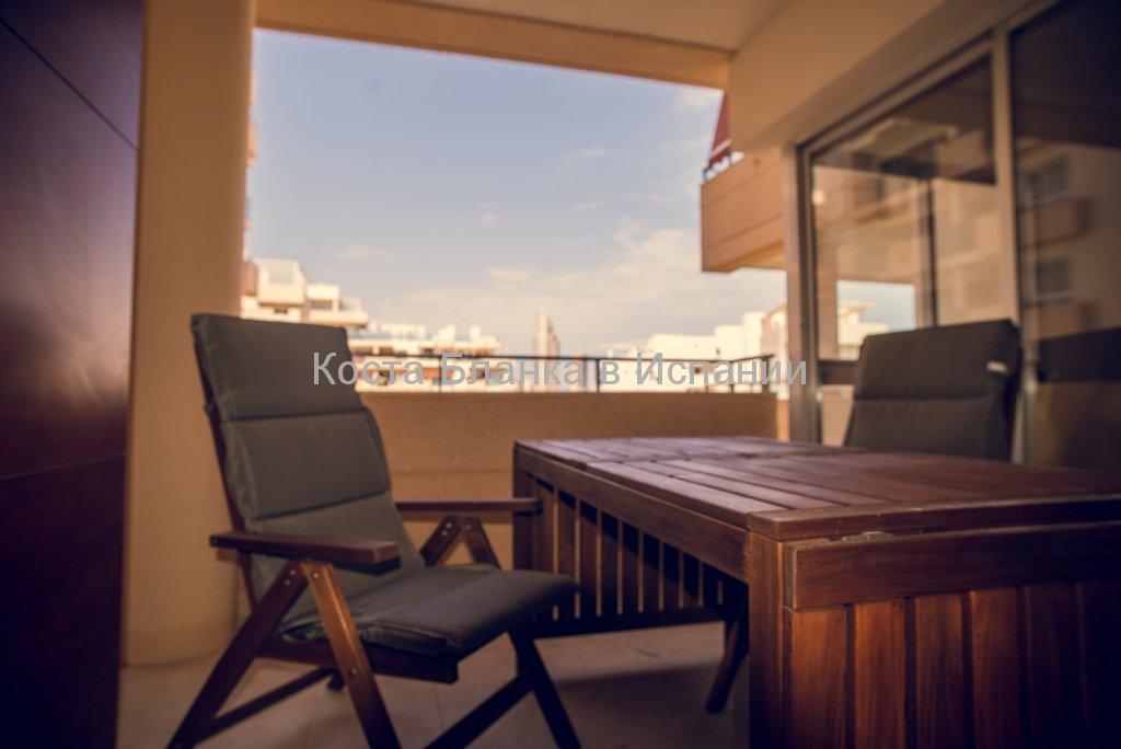 Терраса апартаментов на море в Испании в Бенидорме