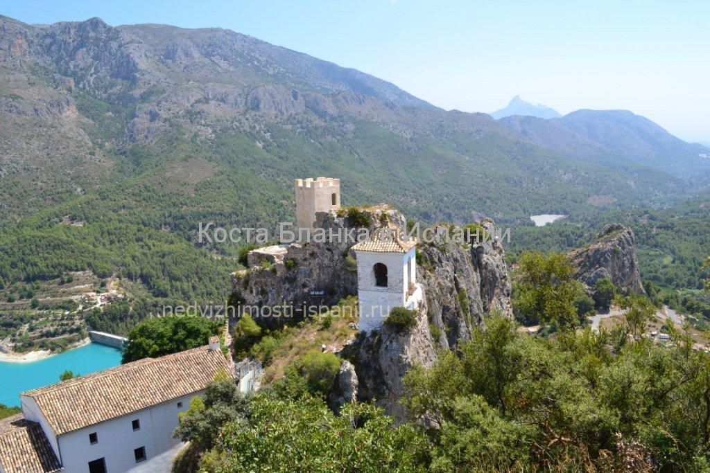 Гуадалест, башня арабской крепости VII века и дом Ордунья
