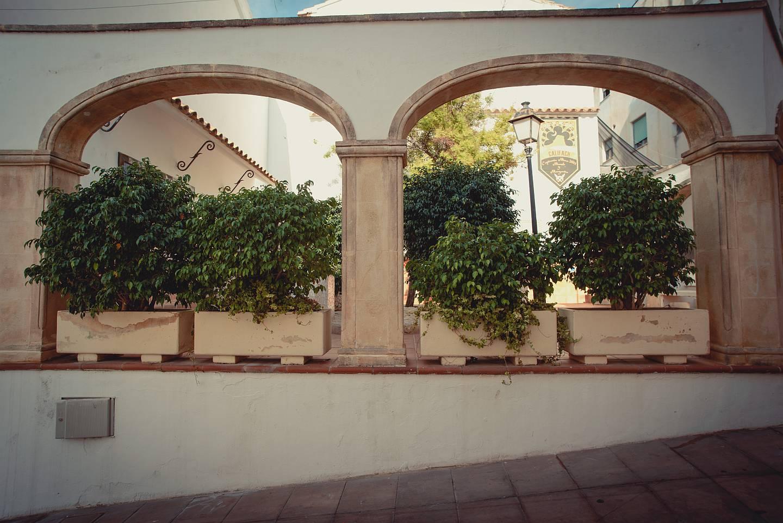 Маленькая площадь в историческом центре Кальпе