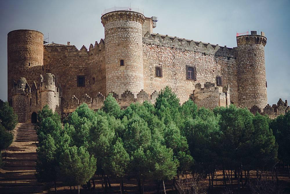 Средневековый замок Бельмонте в Испании